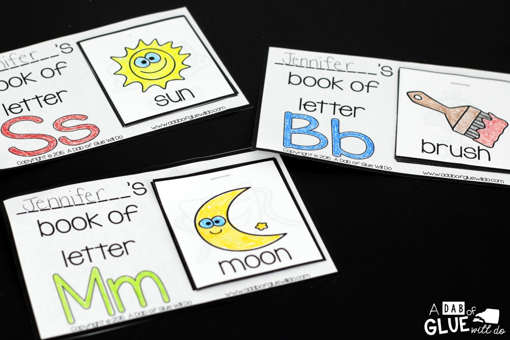 These Alphabet Flip Books will be the perfect way for your students to learn or review the letters of the alphabet. This free printable is great for preschool and kindergarten students.