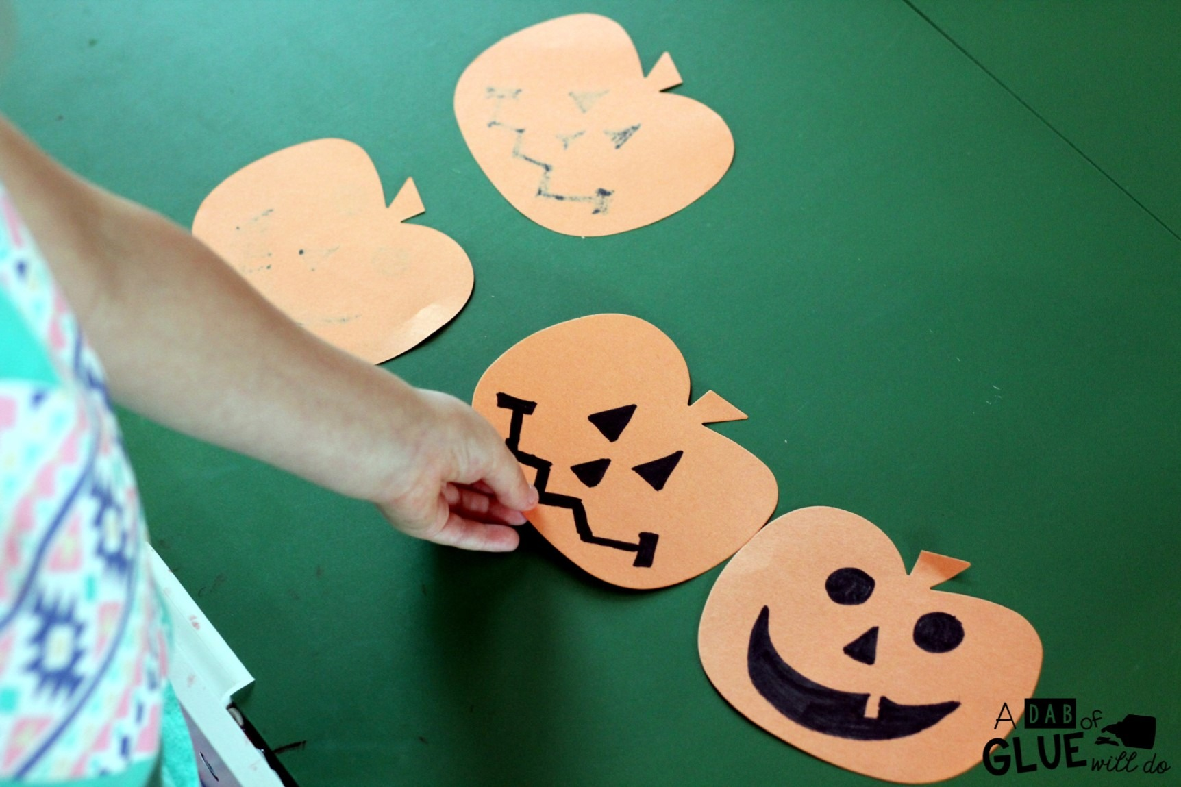 DIY Jack-O-Lantern Memory is a fun learning game that has students practicing letters, numbers, addition or subtraction, and sight words. This hands-on activity is perfect for preschool, kindergarten, first grade and second grade students.
