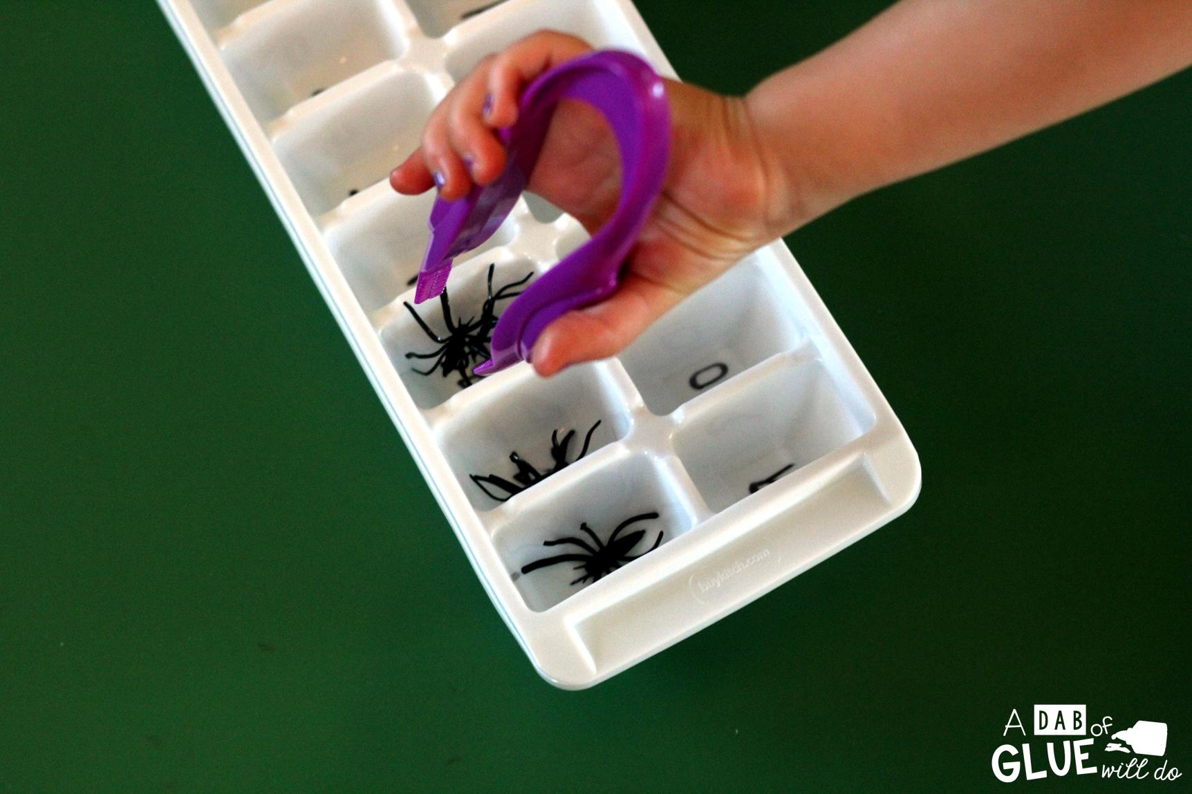 Spider Counting Sensory Activity is a fun Halloween themed interactive sensory bin. Students will practice their fine motor skills by picking out spiders from their webs and placing in the numbered ice trays. This activity is perfect for preschool and kindergarten students.