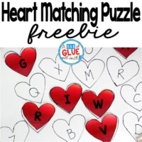 Heart Matching Puzzle is the perfect way to have your students review the alphabet, numbers, sight words, or addition and subtraction. This easy, DIY activity is perfect for toddlers, preschool, kindergarten, first grade, and second grade.