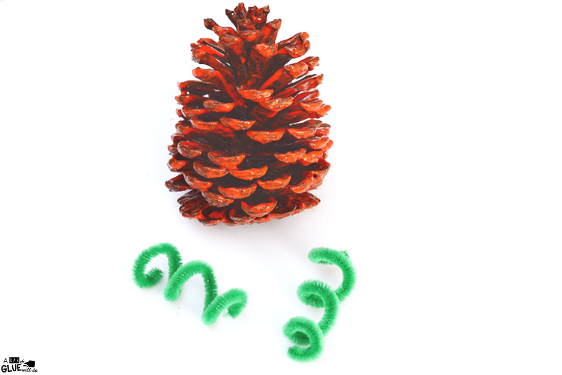 Pumpkins are one of my favorite things about fall and this cute and simple pineconepumpkin craft is perfect for your students. Use pinecones from your nature walk collection or use smaller store-bought round pinecones along with just a few supplies to make this quick craft with preschool or kindergarten students to get festive for Autumn!