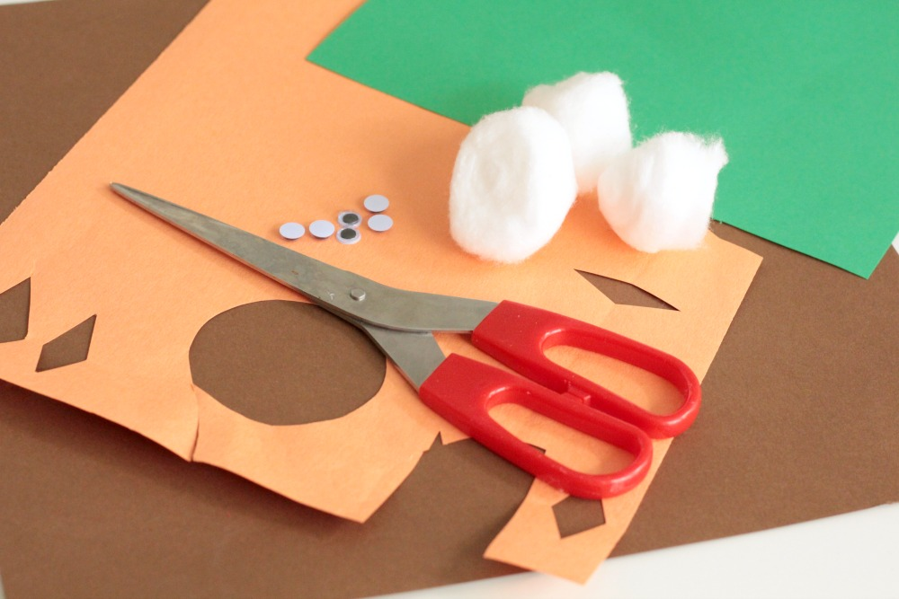 You can use this fun cotton ball owl babies craft when studying owls, the letter O, fall creatures, forest creatures, or birds! The simplicity of the craft makes it ideal for the classroom, but it is still cute enough to display with pride.
