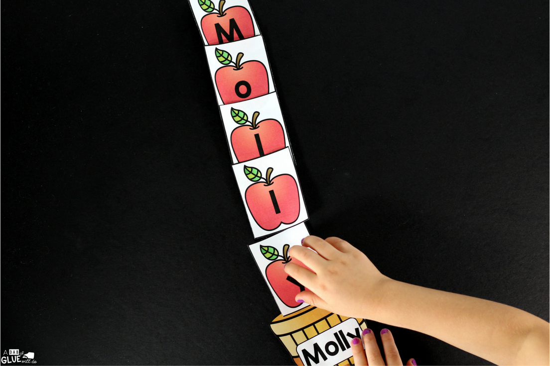 We are counting down the days for fall here in Texas and what better way to do this than with this fun,Apple Names - Name Building Practice Printable. Your students will love working on making their name with this free printable. This fall activity is perfect for preschool and kindergarten students.