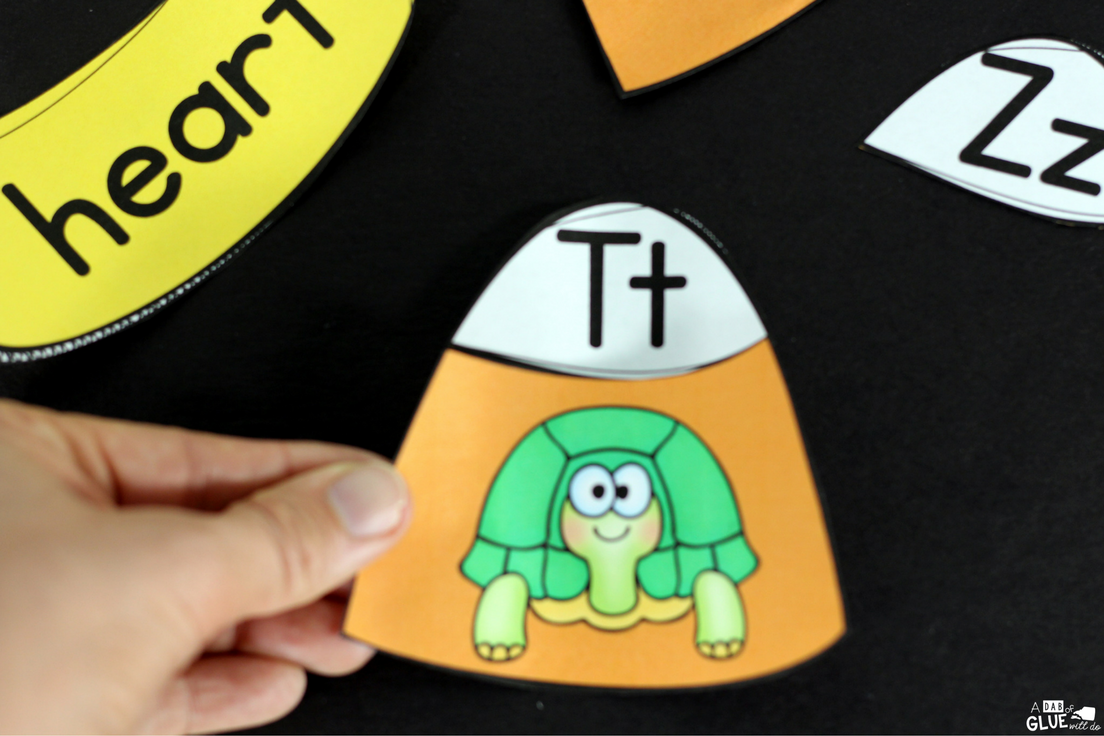 Candy Corn Initial Sound Puzzles is the perfect addition to your literacy centers this fall.  This free printable is perfect for preschool, kindergarten, and first grade students.