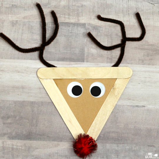 To go along with our reindeer unit study, we made this Craft Stick Reindeer Craft. This craft is the perfect addition to your unit study and adorable classroom decoration.