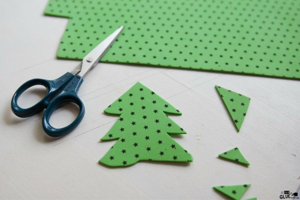 Kindergarten studnets will love Christmas Tree Pencil Topper as their next Christmas craft! This is a great fine motor craft for kids and holiday craft too.