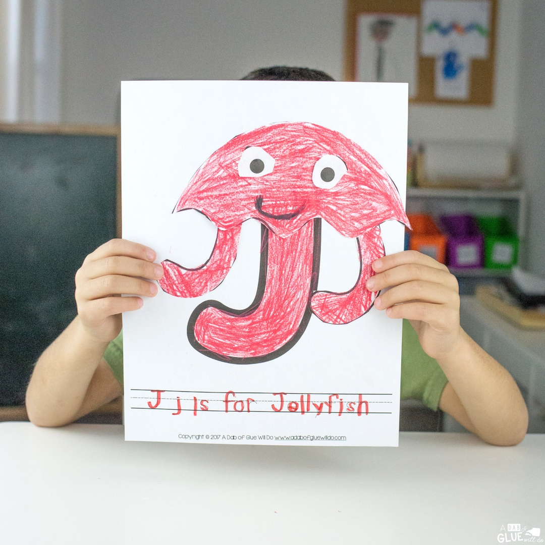 We are back for another Animal Alphabet Letter of the Week Craft!  The last alphabet craft we completed was I is for Iguana. wasn't that a fun one? This week we are following it with J is for Jellyfish animal craft!
