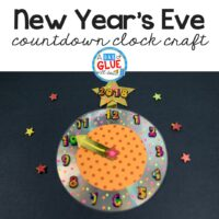Celebrating New Year's Eve with kids this year? Help them countdown to the new year with a fun New Year Countdown CD Craft! via @dabofgluewilldo