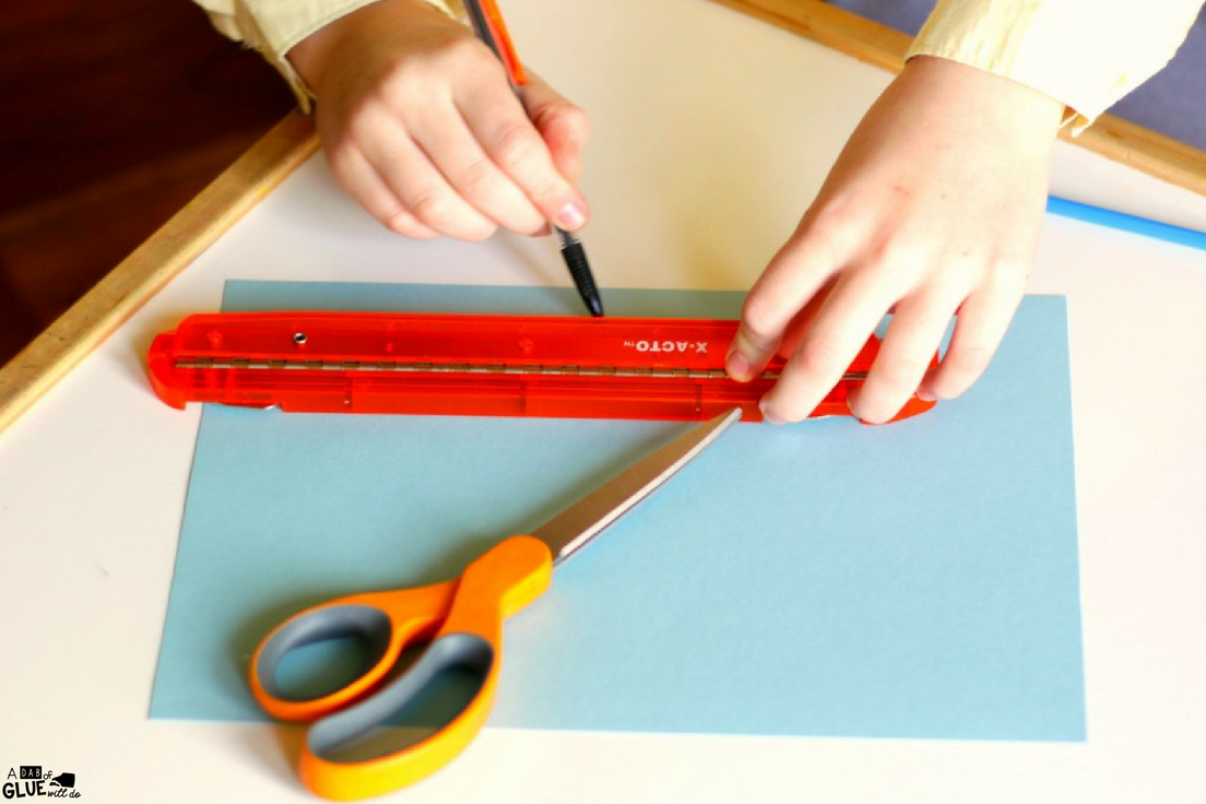 Study simple science with this DIY Airplane for Kids! It's a great way to study air pressure with kids and a 5 minute craft for your busy classroom.