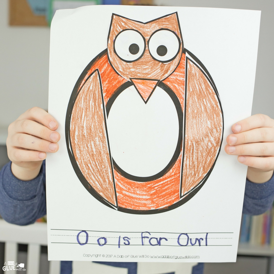 This letter of the week craft is perfect for your kids that love animals. Animal Alphabet O is for Owl craft is a free printable for kindergarteners!