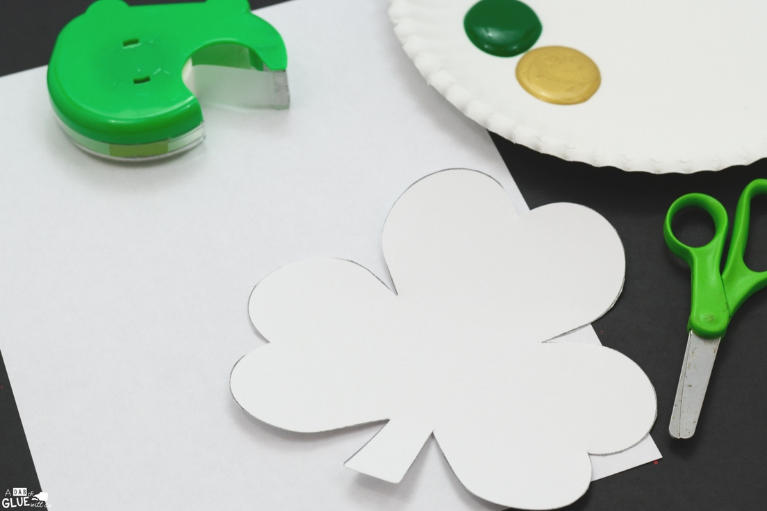 Looking for a fun shamrock craft for kids? Try this St Patrick's Day Decorations for Kids idea! They will love this simple art activity for March!