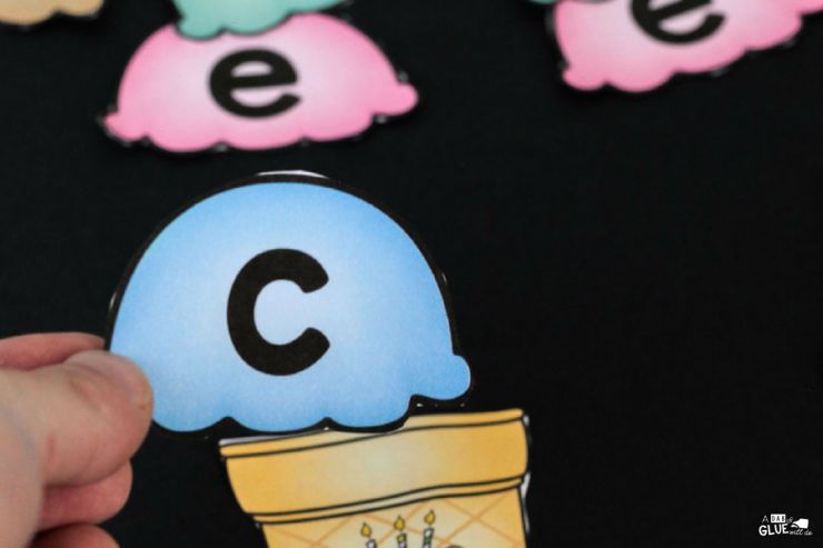 Keep your students engaged all year long with this FUN Ice Cream CVCE Word Building activity! Sure to be a hit in your Kindergarten or First Grade classroom!