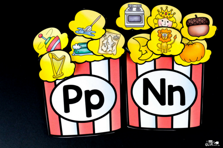 Your students are going to LOVE using this popcorn ending sound match up! Hands-on early literacy fun in your PreK, Kindergarten, or First Grade classroom.