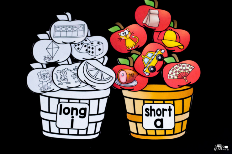 Your students learning or reviewing long and short vowel sounds? Then you will LOVE using this apple middle sound match up in your classroom!