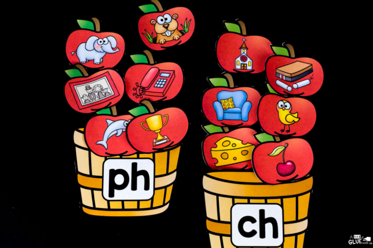 Learning digraph blends has never been easier when you implement this apple digraph blend match up into your early literacy center.