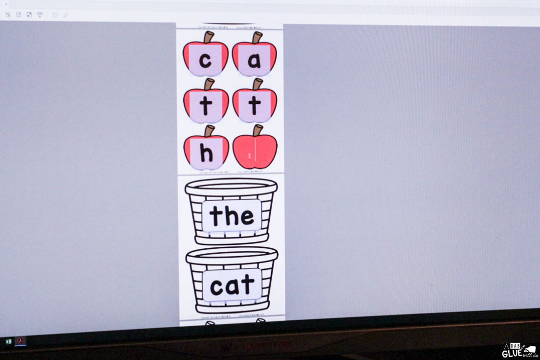This Apple Editable Sight Word Activity will make reviewing sight words fun! Engage students in learning with this hands-on EDITABLE sight word game.