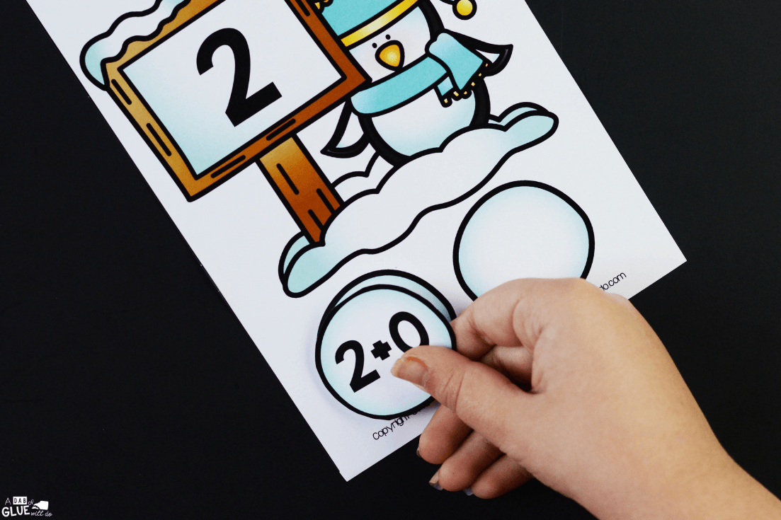 These Snowball Addition Mats are a great way to help ourpreschool and kindergarten students learn and review their addition facts in an exciting way!