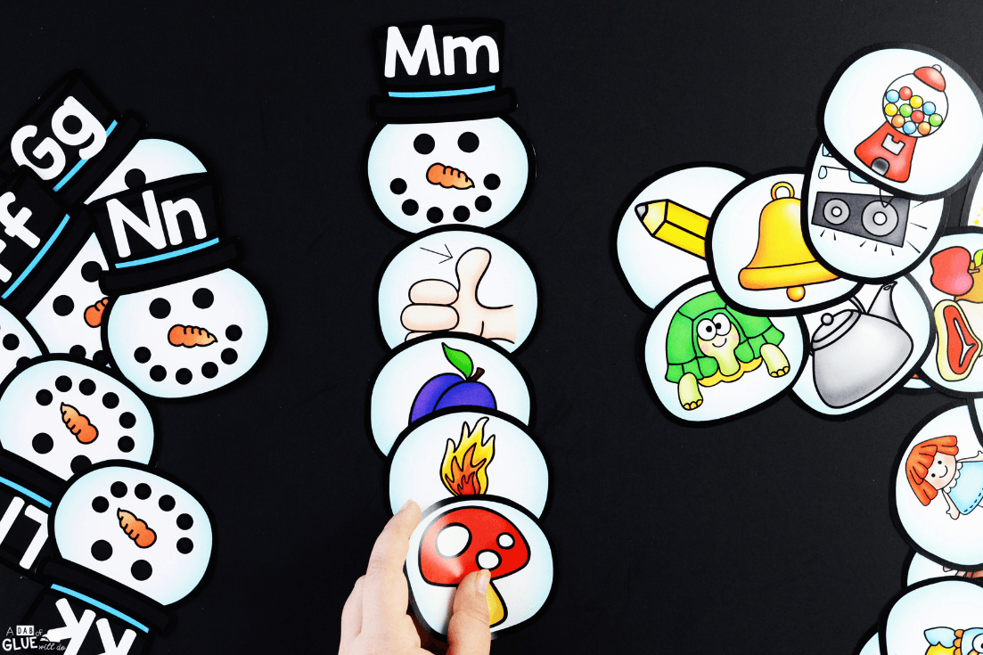 This Snowman Ending Sound Match-up activity helps early readers to learn how segment sounds and phonemes at the ending of words in a fun way!