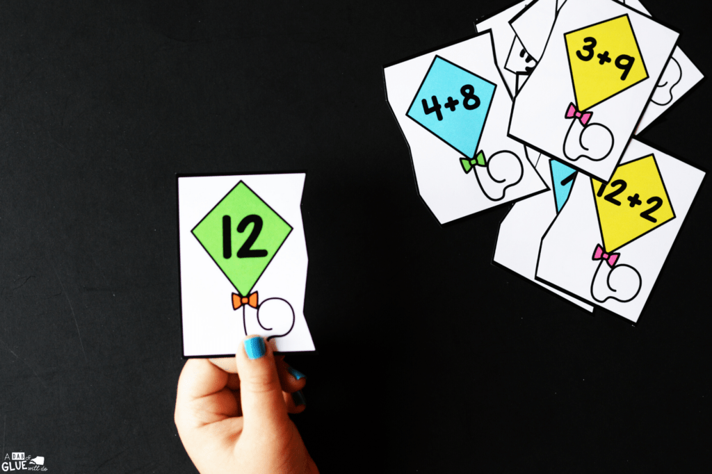 If we make a connection between kites and math, our students will find learning interesting and find a love of addition with this Kite Addition freebie.